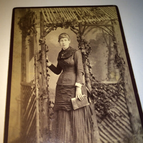 Antique Victorian American Fashion Woman! Book! Broadway New York Cabinet Photo!