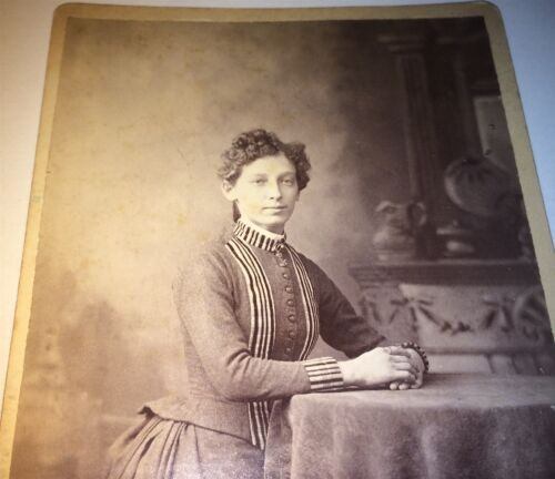 Antique Victorian American Beauty, Lovely Portrait! Curly Hair! Cabinet Photo!