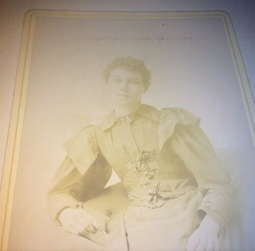 Antique Victorian American Fashion Woman! C.1899 Worcester! Cabinet Card Photo!