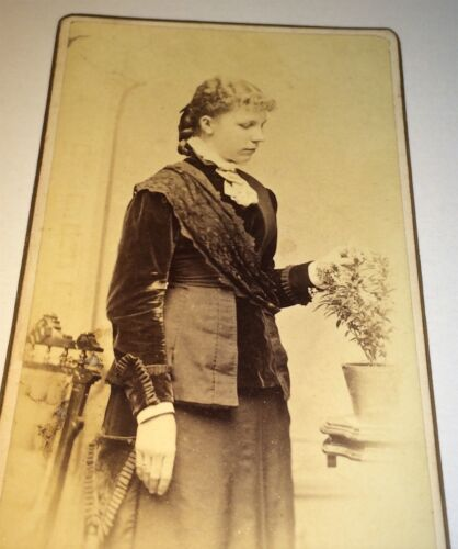 Antique Victorian Fashion American Young Woman Looking at Flowers! Old CDV Photo