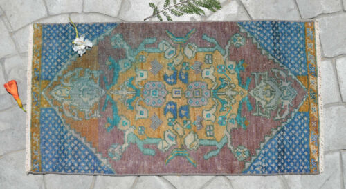 """1'5"""" x 2'7"""" Distressed Small Area Rug Hand Knotted Turkish Yastik Rug 43 x 80 cm"""
