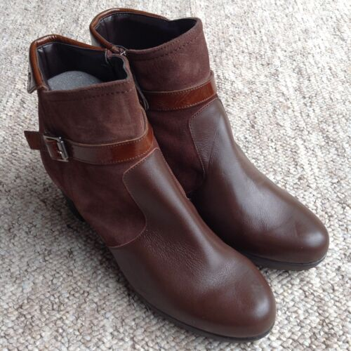 Riva Brown Leather and Suede Ankle Boots UK4