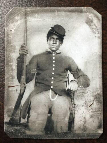 African American Civil War US soldier With Rifle & Uniform tintype C59RP