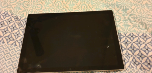 Surface Pro 128GB used no scratches and comes with accessories