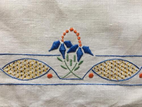 TWO EMBROIDERED LARGE AND SMALL DOYLEY c1940's