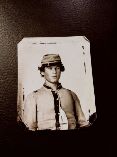 tintype of unknown young civil war soldier  tintype C575RP