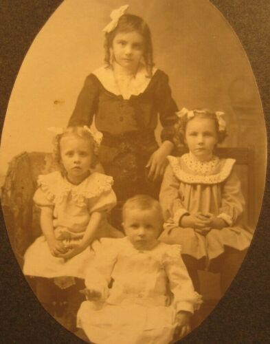 Victorian Antique Cabinet Card Photo of Young Children Siblings Girls Sisters