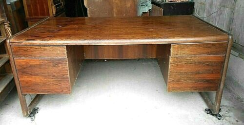 A RARE MID CENTURY MODERN ROSEWOOD DOUBLE BANK EXECUTIVE KNEEHOLE DESK