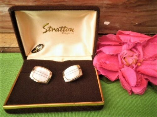 VINTAGE STRATTON CUFFLINKS MOTHER OF PEARL VELVET BOX ENGLAND BARELY WORN