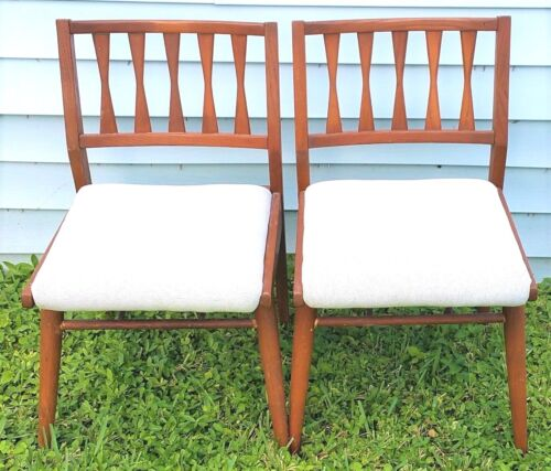 2 Holman Manufacturing Co Danish Modern Bow Tie Walnut Dining Chairs Eames Era