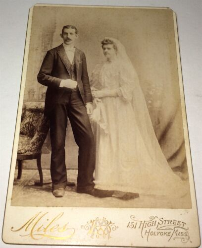 Antique Victorian American Wedding Portrait, Husband & Wife! MA Cabinet Photo!