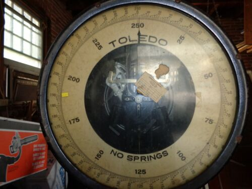 Vintage Floor Model 250 lbs.Toledo Scale Style 801A