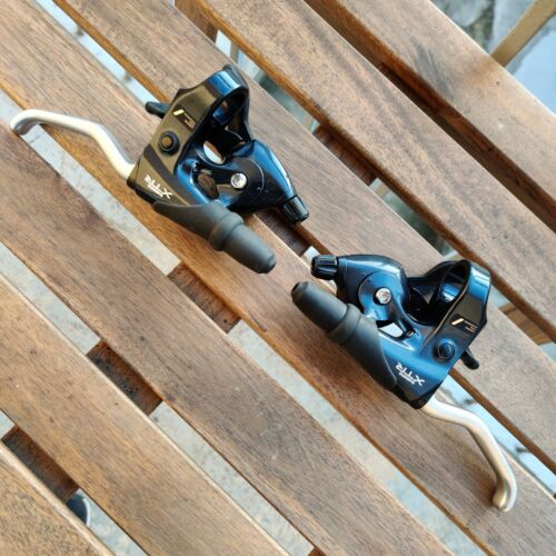 Shimano XTR M900 3x8sp shifters and brake levers combo, nos