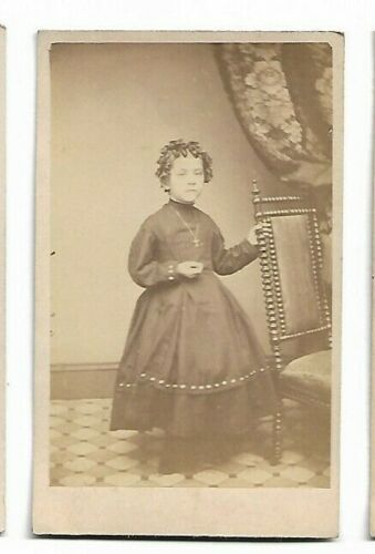 Little Girl with ringlets; Photo by G D Wise, Philadelphia, PA (4408)