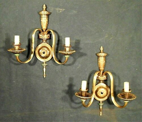 VINTAGE PAIR OF CLASSICAL REGENCY DOUBLE ARM URN TOP BRASS SCONCES