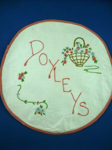 VINTAGE HAND EMBROIDERED DOILEY HOLDER EXCELLENT CONDITION