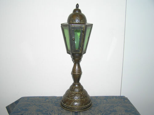 ANTIQUE BRASS TABLE LAMP.
