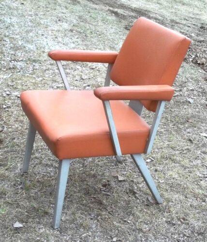 MID CENTURY MODERN SPACE AGE RETRO ALUMINUM AND VINYL ARMCHAIR