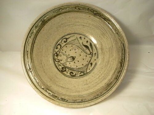 Antique Sawankhalok Thai fish design bowl 14-15th cent 9.25 in d. from shipwreck