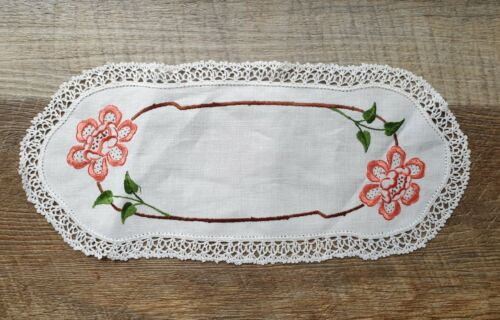 Vintage Hand Embroidered Pink Floral Crocheted Lace Edge Sandwich Doily