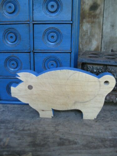 Small Antique Pig Wood Bread Cutting Board Blue Painted Edge