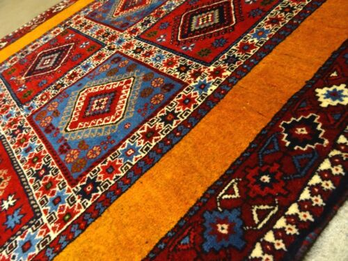 "Stunning C 1970 Vintage Antique Exquisite Hand Made Rug 3' 4"" x 5' 2"""