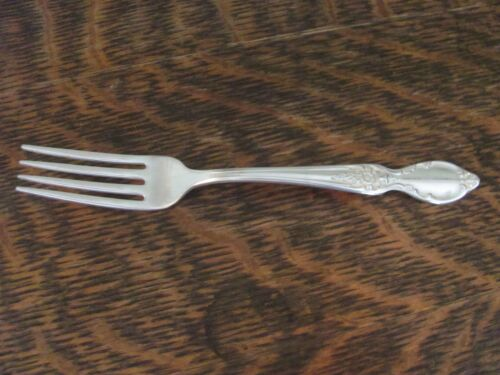 """WM ROGERS & SON IS 1954 """"VICTORIAN ROSE"""" DINNER GRILL FORK"""