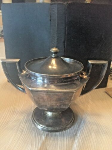 VINTAGE SILVER PLATE SUGAR BOWL W/LID MARKED 274 W/LION HOLDING LOVING CUP