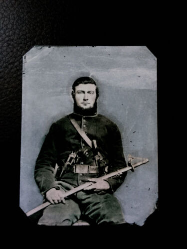 Fully Armed Soldier Civil War tintype C594RP