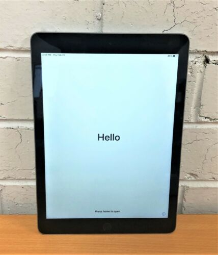 "Apple iPad 9.7"" 5th Gen A1822 - 32GB / WiFi / Space Gray / New Cover included"