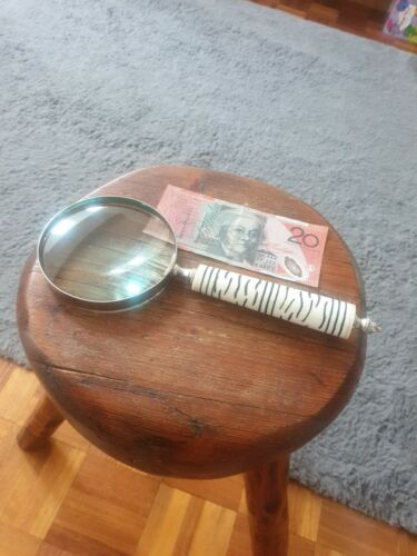VINTAGE STYLE LARGE MAGNIFYING GLASS