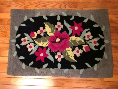 """Antique Primitive Country Hooked RUG Burlap 34 1/2"""" X 23"""" Rectangle Hand Made"""