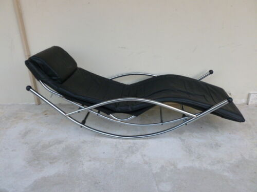 SLEEK 1980'S ITALIAN CORBUSIER STYLE LEATHER AND CHROME LOUNGE CHAIR ROCKER