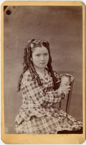 YOUNG GIRL WITH LONG RINGLETS   PLAID DRESS CDV