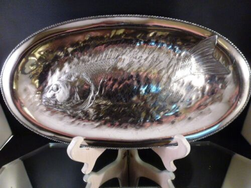 JAMES W. TUFTS BOSTON QUADRUPLE PLATE SILVER  EMBOSSED FISH SERVING TRAY C.1875
