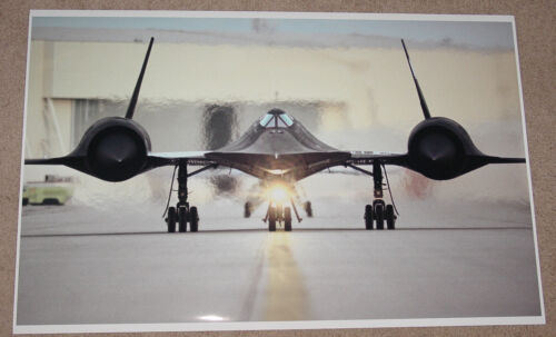 SR-71 BLACKBIRD SUPERSONIC MILITARY JET AT TAKEOFF POSTER 23x36 9 MIL PAPER