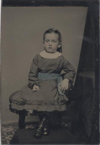 COLOR TINTED TINTYPE PORTRAIT OF ADORABLE LITTLE GIRL - EXTREMELY SHARP