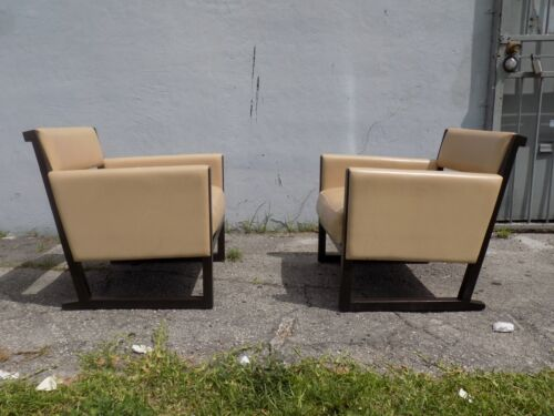 SUPER PAIR OF POST MODERN LEATHER LOUNGE / CLUB ARM CHAIRS MANNER OF HOLLY HUNT