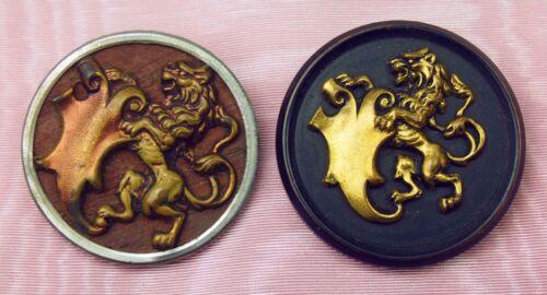 BOT-017 PAIR OF BUTTONS. WOOD. CHISELED METAL. GILDED.FRANCE (?). END XIX.