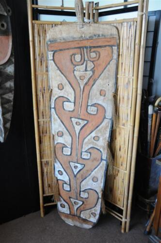 Old New Guinea Asmat West Irian Fighting Shield with arrow holes...