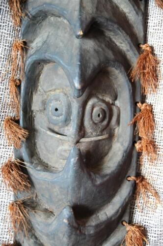 Papua New Guinea Yapwon Sepik Cult Figure / Mask / Wall Hanging... collector's!