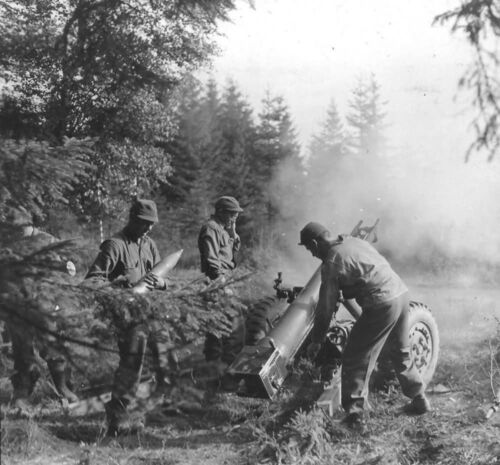 WWII B&W Photo US Army 105mm Howitzer in Action Germany World War Two WW2 / 1266United States - 156437
