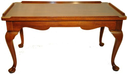 Great Queen Anne Walnut Coffee Table with 2 Pull Out Slides