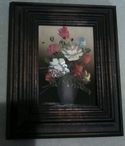 Vintage Picture Frame with Flower Picture and Hidden Key Holder GB