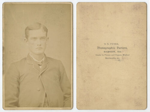 CAB PHOTO MAN FROM KINMUNDY, ILLINOIS, PORTRAIT BY TYNER