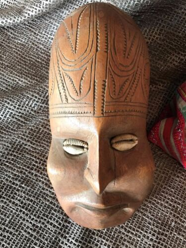 Old Papua New Guinea Sepik River Carved Wooden Ancestral Head …with cowrie shell