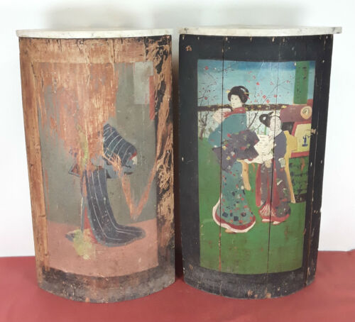 PAIR OF JAPANESE CORNER. POLYCHROMED WOOD. HAND PAINTED. CHINA. CENTURY XVIII.