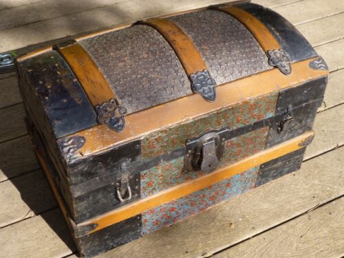 SMALL CAMEL BACK STEAMER TRUNK