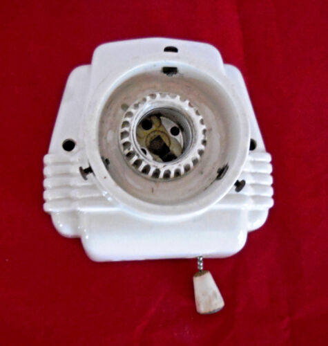 Vintage Ceramic White Porcelain Wall Sconce Light Fixture W/Pull Chain & Outlet