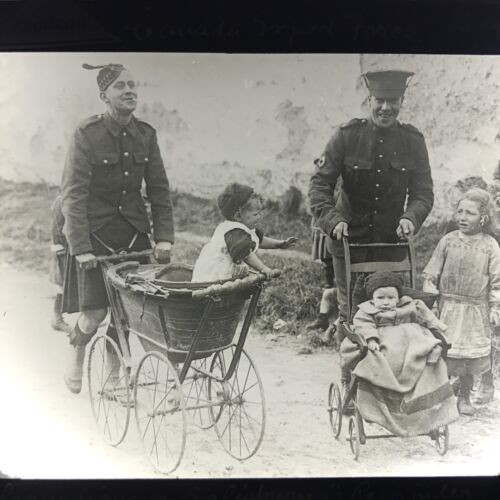Antique Magic Lantern Glass Slide Photo WWI Canadian Exped Force Family